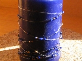 Modrá svíčka s korálky