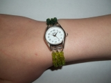 Korálkový náramek na hodinky