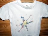 Dekorovaná trička pomocí voskovek