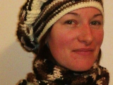 Bekovka s šálou