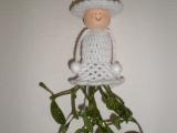 Háčkovaná panenka-vánoční dekorace