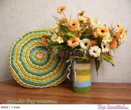 Háčkovaný polštář a obal na vázu
