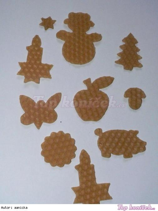 Vánoční ozdoby ze včelích