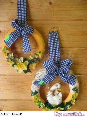 Jarní věnečky s mašlí